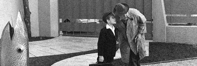 Alain Bécourt and Jacques Tati star in MON ONCLE, directed by Tati for Gaumont.